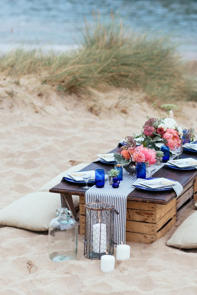 Coastal Casual Tablescape - The Busy Girl Blog