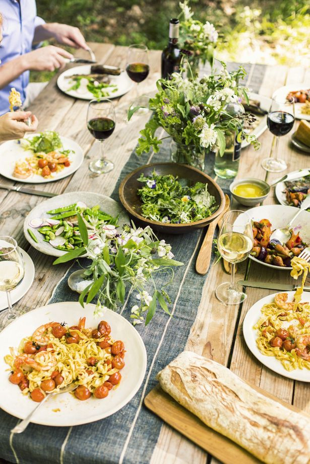 Rustic Summer Tablescape - The Busy Girl Blog